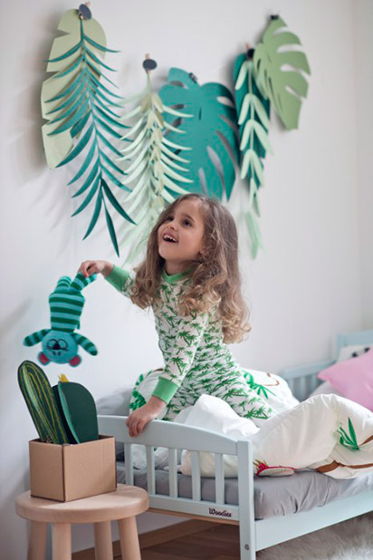 piżamy dla dzieci w kolorze białym i zielonym