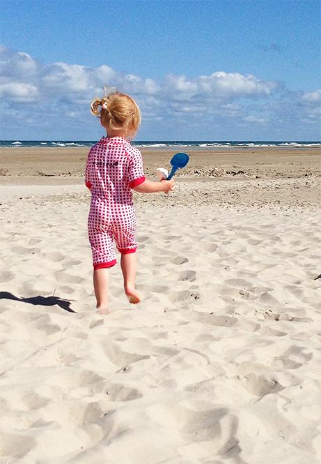 kostium kąpielowy dla niemowląt z filtrem ochronnym