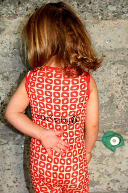 czerwona piżama body dla najmłodszych dzieci od Ducksday